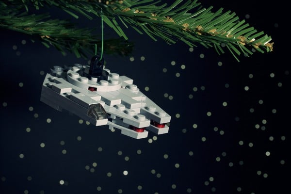 Millennium Falcon Ornament par Chris Mc Veigh