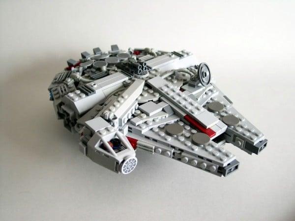 Mini Millennium Falcon par ototoko