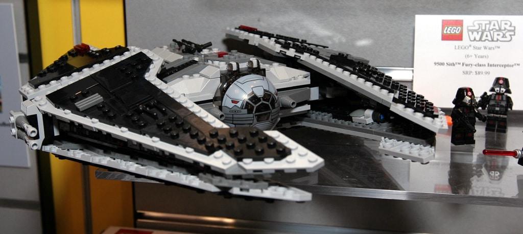 Lego star wars mon avis sur la seconde vague 2012 hoth for Interieur vaisseau star wars