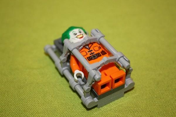LEGO Super Heroes DC Universe 10937 Arkham Asylum Breakout