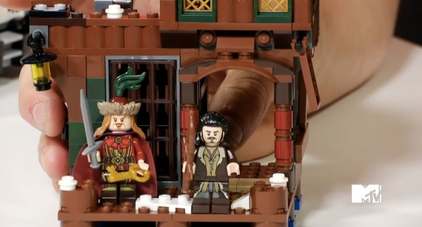 lego-the-hobbit-lake-town-chase-4
