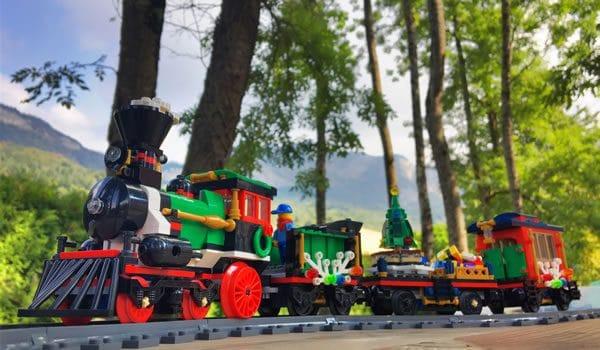 LEGO Creator Expert 10254 Winter Holiday Train