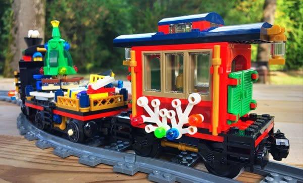 lego-creator-expert-10254-winter-holiday-train-7