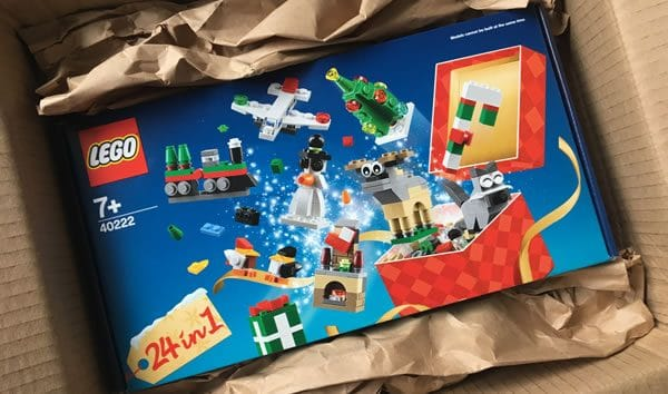 40222 Christmas Build Up
