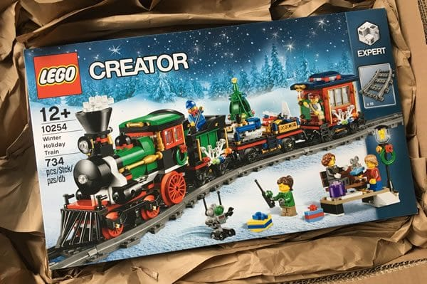 concours-lot-10254-winter-holiday-train