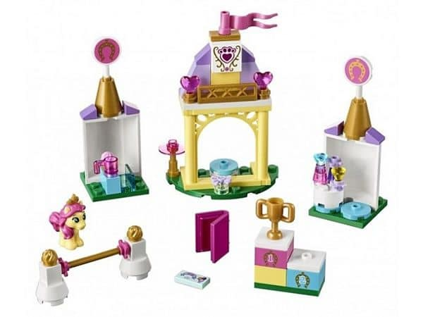 41144 Petite's Royal Stable