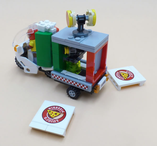 70910 Scarecrow's Special Delivery
