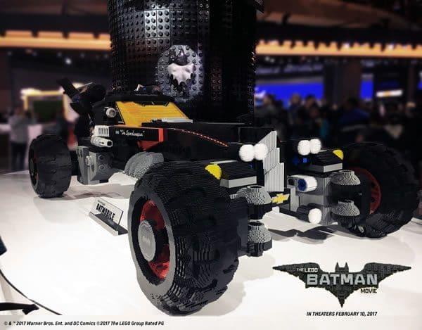 Et maintenant, Chevrolet qui fait la promo de la Batmobile LEGO...