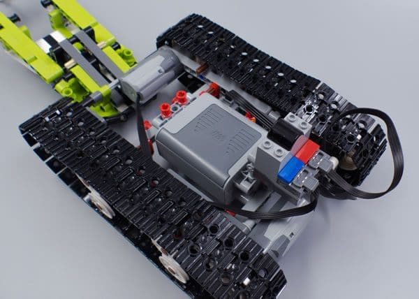 LEGO Technic 42065 RC Tracked Racer
