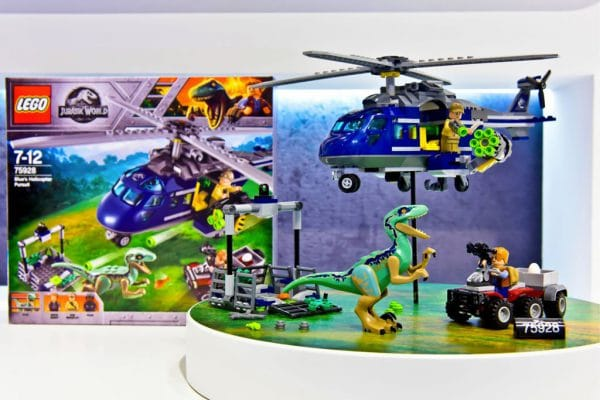LEGO Jurassic World Fallen Kingdom - 75928 Blue's Helicopter Pursuit