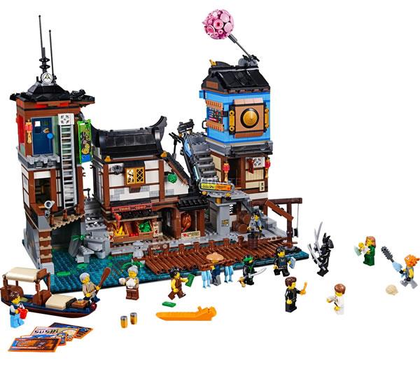 Lego Ninjago 70657 City Docks Gros Plan Sur Le Contenu