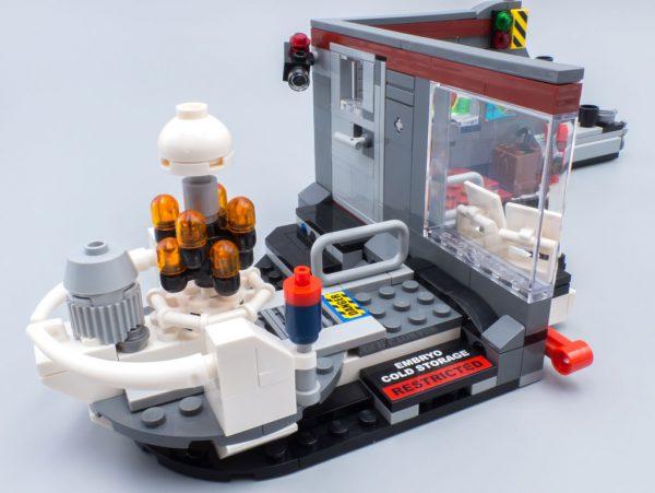 LEGO 75932 Jurassic Park Velociraptor Chase