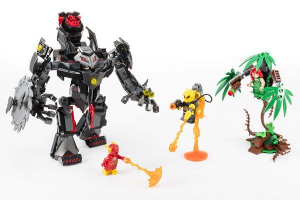 LEGO DC Comics 76117 Batman Mech vs. Poison Ivy Mech