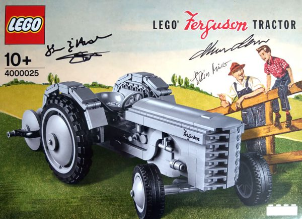 4000025 LEGO Ferguson Tractor