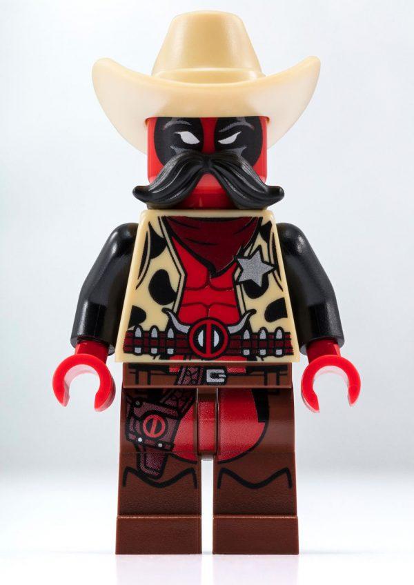 SDCC 2018 - LEGO Marvel Sheriff Deadpool Exclusive Minifigure