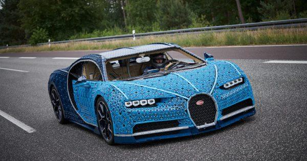 LEGO dévoile une Bugatti Chiron qui ressemble à la vraie