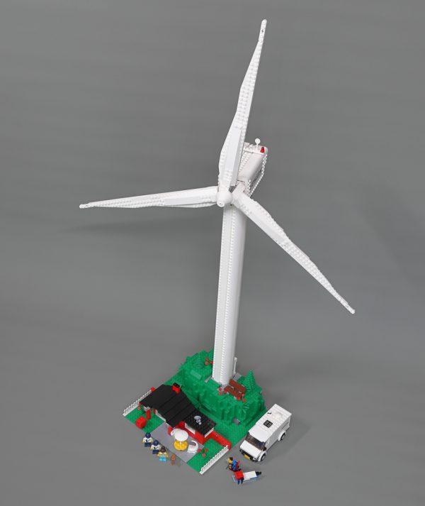 10268 Vestas Wind Turbine