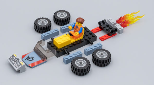 70821 Emmet and Benny's 'Build and Fix' Workshop !