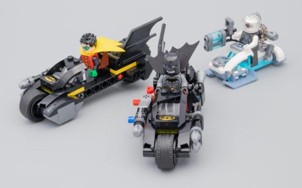 76118 Mr. Freeze Batcycle Battle