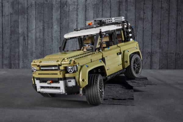 LEGO Technic 42110 Land Rover Defender : Tout ce qu'il faut savoir