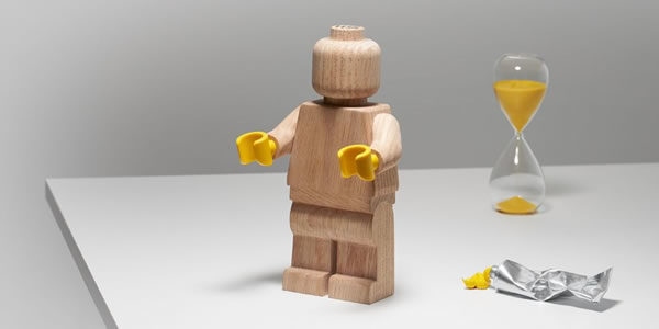 LEGO Originals 853967 Wooden Minifigure : disponible sur le Shop LEGO