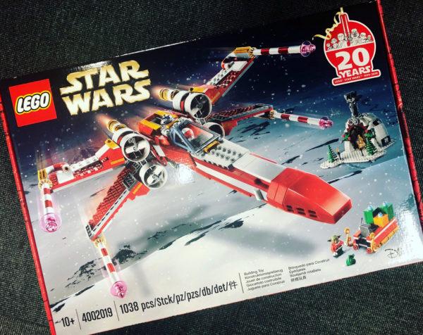 LEGO Star Wars 4002019 Christmas X-Wing : Le cadeau offert cette année aux employés du groupe LEGO