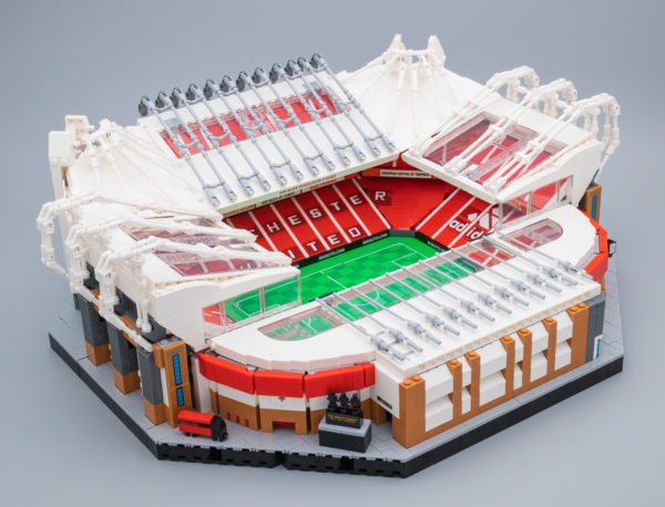 Vite testé : LEGO Creator Expert 10272 Old Trafford - Manchester United