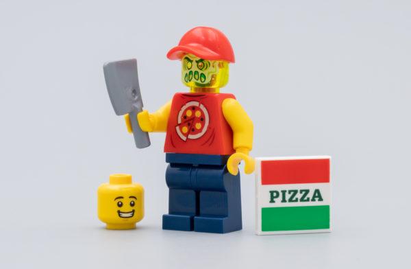 LEGO Hidden Side : Un livreur de pizza possédé avec le numéro 2 du magazine