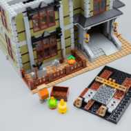 LEGO Fairground Collection 10273 Haunted House