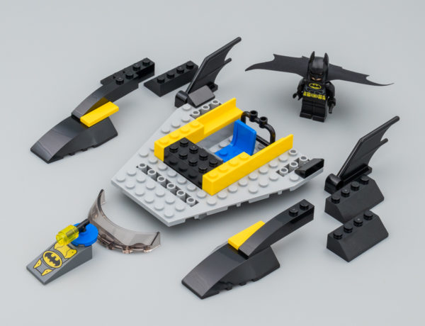 76158 Batboat : The Penguin Pursuit