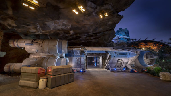 Resistance I-TS Transport @ Star Wars Galaxy's Edge
