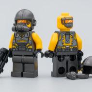 76167 Iron Man Armory