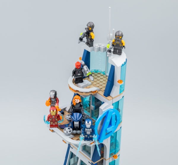 Très vite testé : LEGO Marvel 76166 Avengers Tower Battle