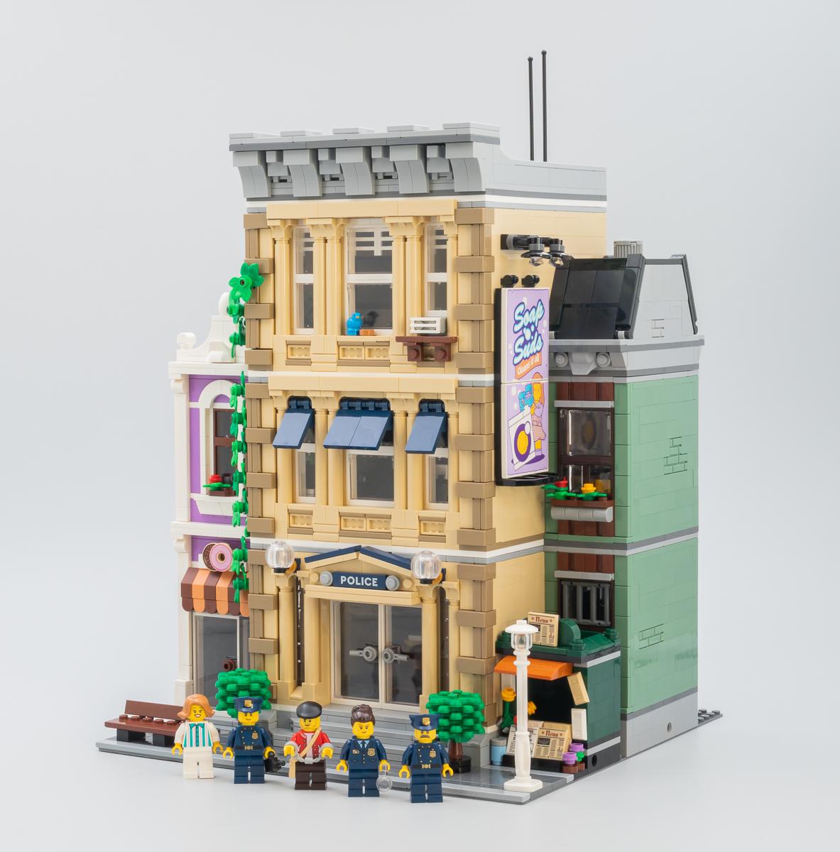 ▷ Vite testé : LEGO Modular Buildings Collection 10278 Police
