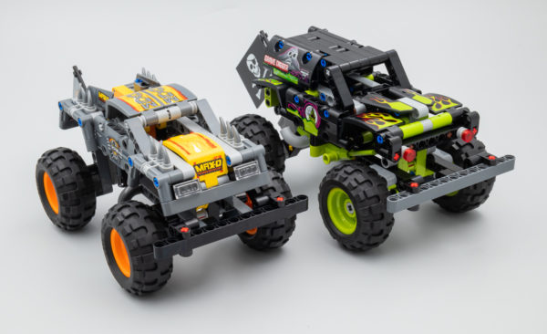 LEGO Technic 42118 Monster Jam Grave Digger & 42119 Monster Jam Max-D