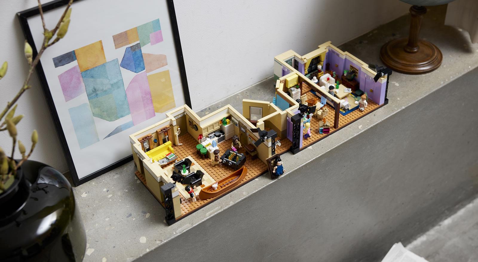 LEGO : Ze topik =) - Page 8 Lego-10292-friends-apartements_12
