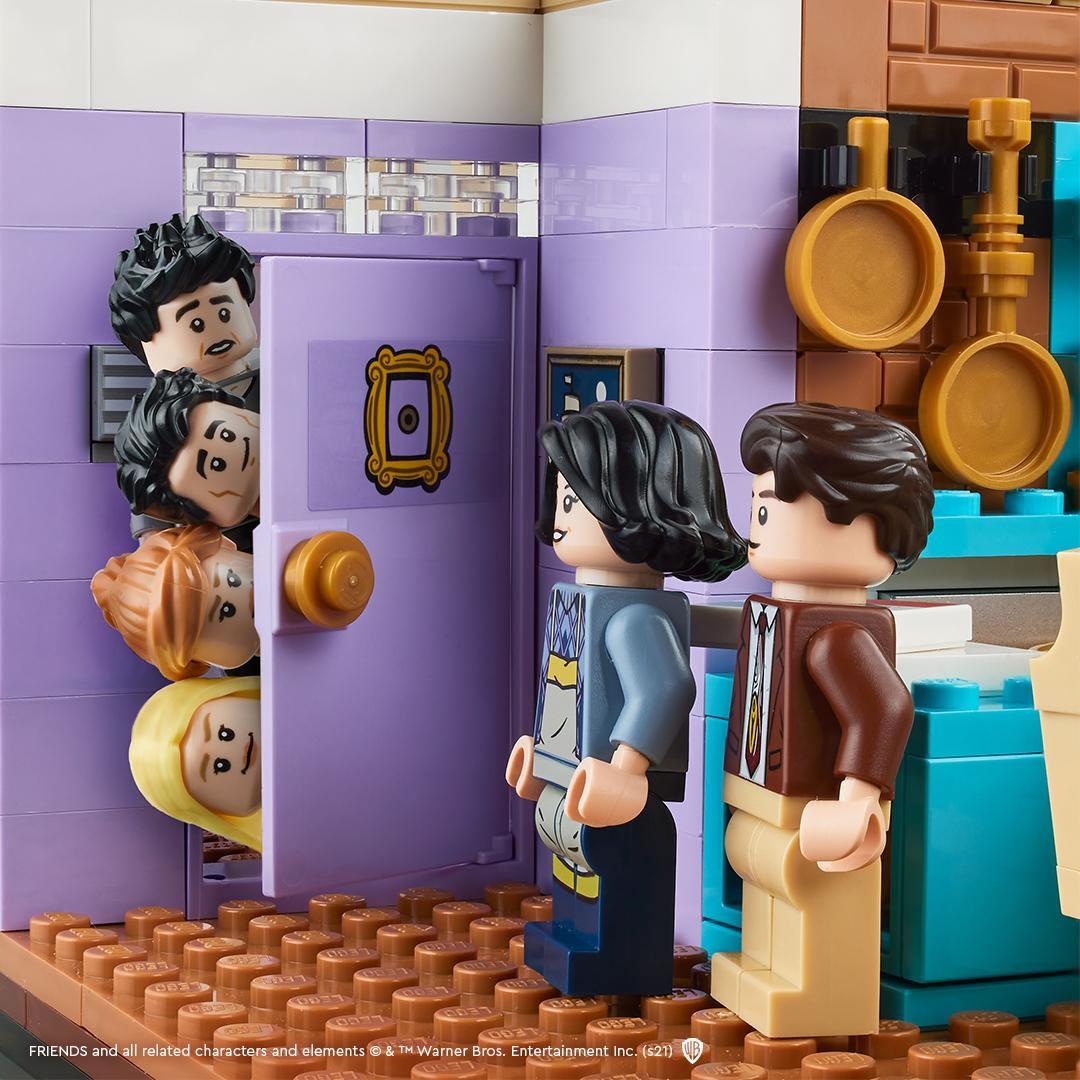 LEGO : Ze topik =) - Page 8 Lego-10292-friends-monica-joey-appartement-teasing-2021