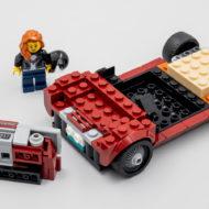 LEGO Speed Champions 76903 Chevrolet Corvette C8.R Race Car and 1968 Chevrolet Corvette