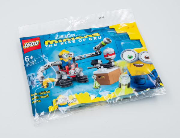 lego 30387 bob minion with robot arms gwp june 2021 1