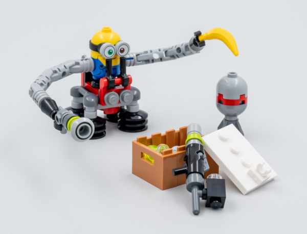 lego 30387 bob minion with robot arms gwp june 2021 2