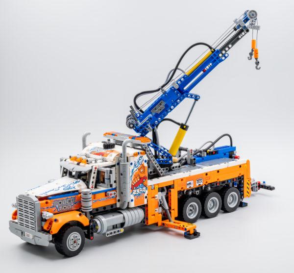42128 lego technic heavy duty tow truck 10