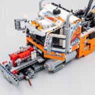 42128 lego technic heavy duty tow truck 4