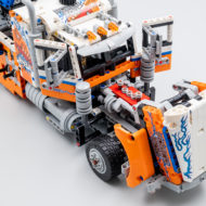 42128 lego technic heavy duty tow truck 5