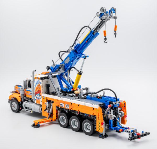 42128 lego technic heavy duty tow truck 9
