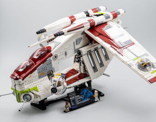 lego starwars 75309 republic gunship 15