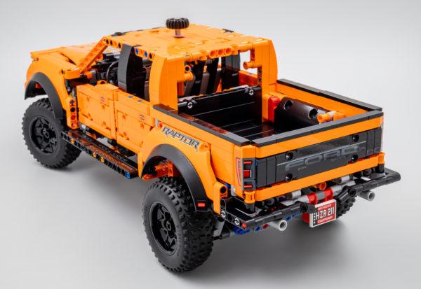 42126 lego technic ford f150 raptor 9