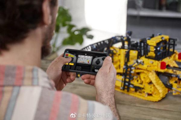 lego technic 42131 cat d11t bulldozer 7