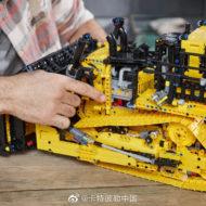 lego technic 42131 cat d11t bulldozer 9