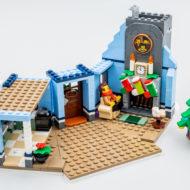 10293 lego winter village santa visit 26