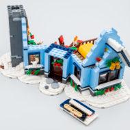 10293 lego winter village santa visit 31